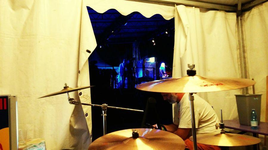 DINOSAUR JR Backstage