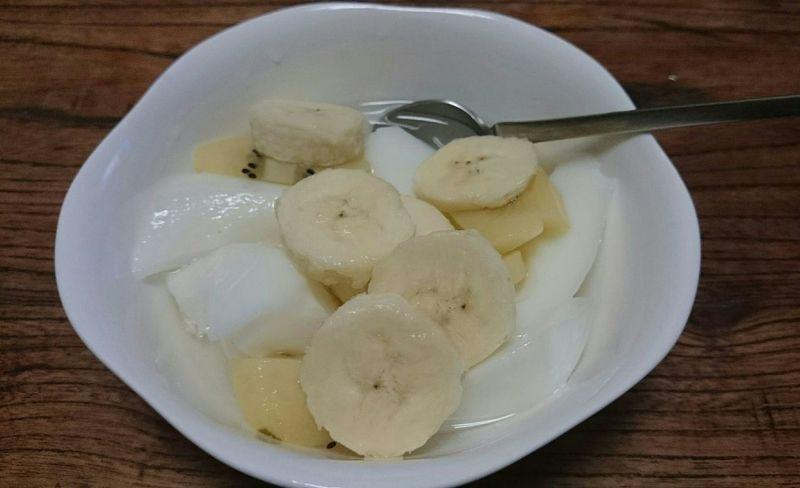Relaxing Taking Photos Setagaya Foodporn Kiwi Bananas Yummy Dessert Food Almond Jelly 久々の杏仁豆腐!バナナとキーウィと♪