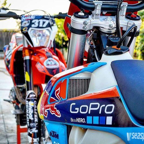 Look! Two Ktm's😱 KTMRacing Supermoto Enduro StuntRider Summerlife Sunset Supermotorad Wheelie Racing