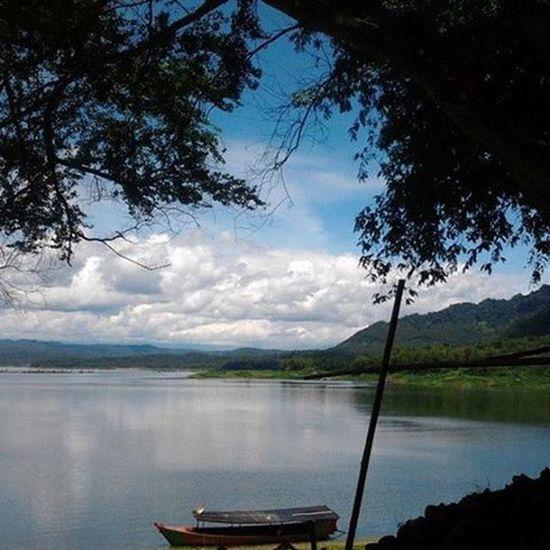 Beautiful view taken at Waduk Wadaslintang, Kebumen. LoveNature Beautifulnature Kebumen ExploreKebumen Explore_kebumen Kebumenmemotret Exploreindonesia BeautifulIndonesia @explore_kebumen First Eyeem Photo