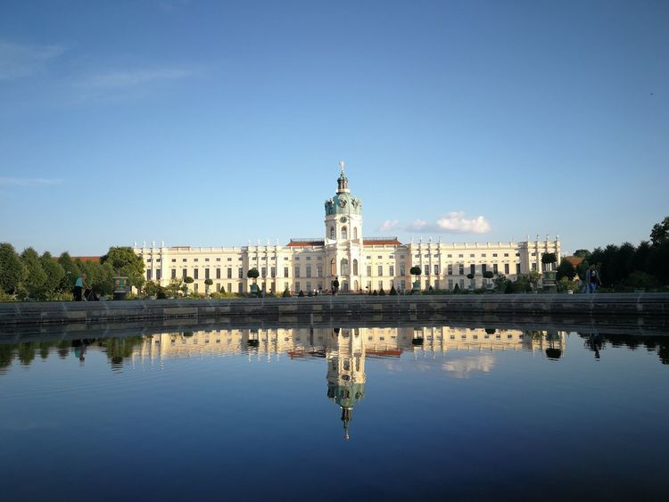 pretty castle Reflections In The Water Germany Berlin Photography Castle Reflection EyEm Selects Reflection_collection Reflections In The Water Charlottenburg  Schloss Schloss Charlottenburg EyeEm Selects City Cityscape Water Statue Clear Sky Blue Government Symmetry Reflection Palace Historic Monument National Monument History Fountain Past Civilization Reflecting Pool