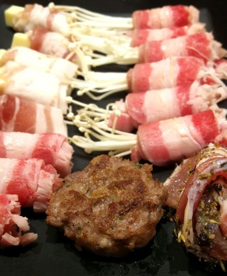 Bacon Wrapped Burgers Burger Patties Yummy Food Sumptuous Yum Yummy Japanese  Lamb - Meat Close-up Red Meat Ground Beef
