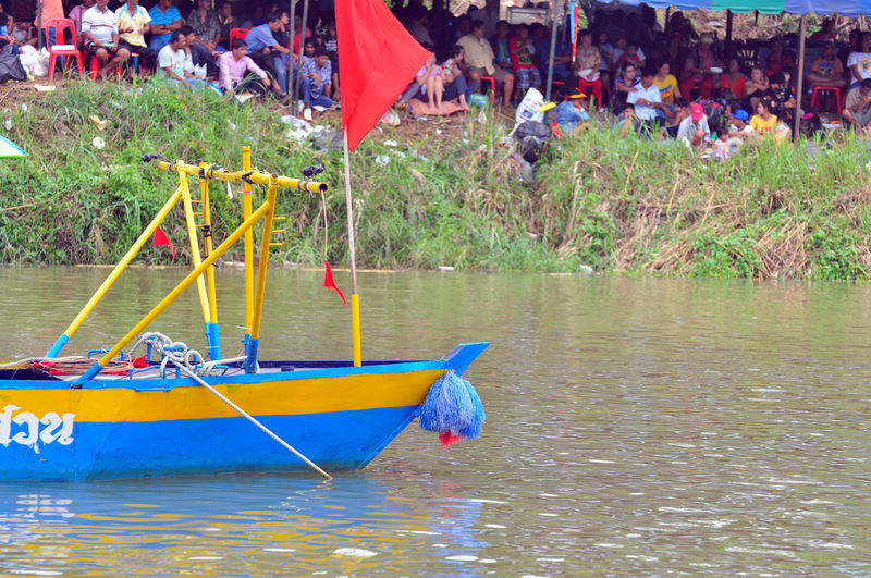 Traditional Boat Climbing Climbing Bows Competition Flag Langsuan Langsuan Traditional Long Boat Racing Festival, Thailand Long Boat Man Paddle Racing Regatta Rowers Rowing Rowing Boat Sport Team Teamwork Unseen Thailand Vessel Water Water Sports ขึ้นโขนชิงธง หลังสวน