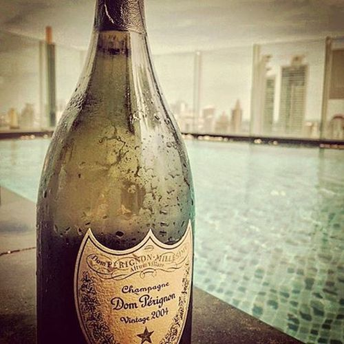 Penthouse pool + vintage DP = ❤❤❤ Addictedtoluxury Donperignon Vintage Livingthedream Penthouse Pool Rooftop Party Sunday Lifestyle Class Sun Hot Summer Beautiful People GoodTimes