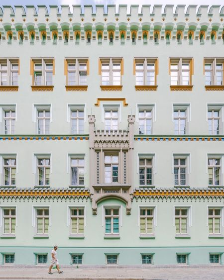 🏃︱marchin' on EyeEm Best Shots EyeEmNewHere EyeEm Selects VSCO Canon Wroclaw, Poland Minimalism Architecture Window Box Window Residential Building Architecture Building Exterior Townhouse Balcony Old Town Apartment Façade City Location Residential Structure The Architect - 2018 EyeEm Awards The Street Photographer - 2018 EyeEm Awards