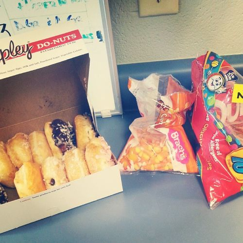 We are super healthy back here in clinic. Lol. Yum Fatties Fatgirlproblems Donuts candy shelterlife