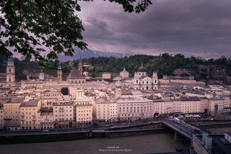 Awesome view over Salzburg. The rain was coming. Salzburg Austria Kreativfotografie Mj EyeEm 2016 Travel With Mj Traveling View View From Above Awesome Cityscapes Cityscapes_collection Sony Sonyalpha Sony A6000 Colors Sky Dramatic Sky Drama Dramatic Light Skyporn Sky And Clouds Architecture Architecture Photography EyeEm Gallery EyeEm