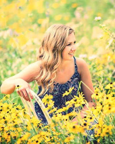Fields of flowers Check This Out Relaxing Enjoying Life EyeEm Gallery Colorfull Flowers Black Eyed Susans Girl In Field Of Flowers Pretty Girl Yellow Flowers