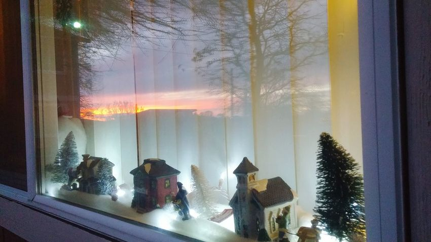 My little window village and a amazing sunset through the wondow amazing Taking Photos Enjoying Life Winter Wonderland Capture The Moment Nightphotography My Winter Favorites Beautiful Nature Love Christmastime Christmas Decorations Nature_collection Reflection