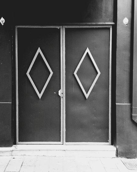 Doors #1 Black & White Black And White Blackandwhite Blackandwhite Photography Close-up Day Diamond Door Doors DoorsAndWindowsProject Handle No People Outdoors Tile Tiles