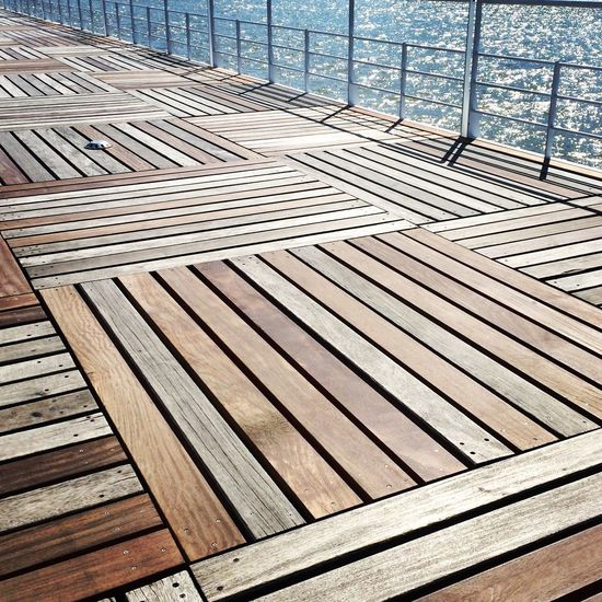 Lisbon Squares Wood - Material Wooden Pathway Parquedasnacoes