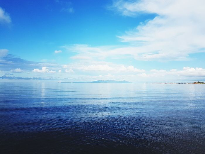 Sea ocean Sea Blue Scenics Horizon Over Water Sky Tranquility Nature Beauty In Nature Outdoors Water Day No People Beach Cloud - Sky City