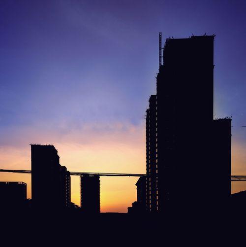 簡影&日落🌅 Steven Photography Cellphone Photography Nightfall 簡影 City Urban Skyline Sunset Skyscraper Modern Silhouette Illuminated Sky Architecture