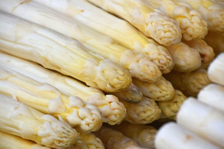 Seasonal white fresh asparagus, spargel background Asparagus Season Asparagus Asparagus Field Backgrounds Close-up Food Food And Drink For Sale Freshness Full Frame Healthy Eating Healthy Food High Angle View Large Group Of Objects Market Market Stall Raw Food Retail  Retail Display Sale Seasonal Spargel Spargel Time Vegetable