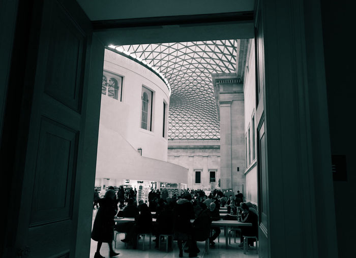 16 December 2018, London. Photographers usually are attracted to the British Museum Architecture - black and white Architecture Built Structure Building Exterior Day British Museum Black And White Old And New Columns Pillar
