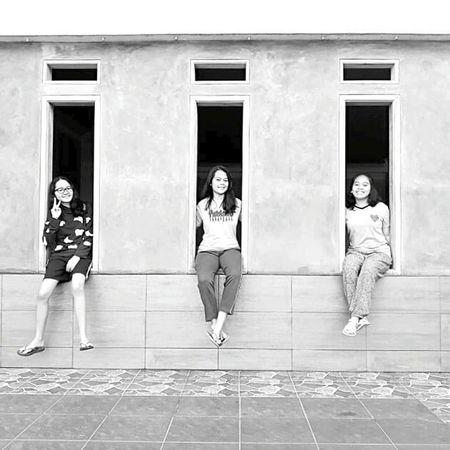 3 girls Friendship Childhood Exterior Blackandwhite Photography