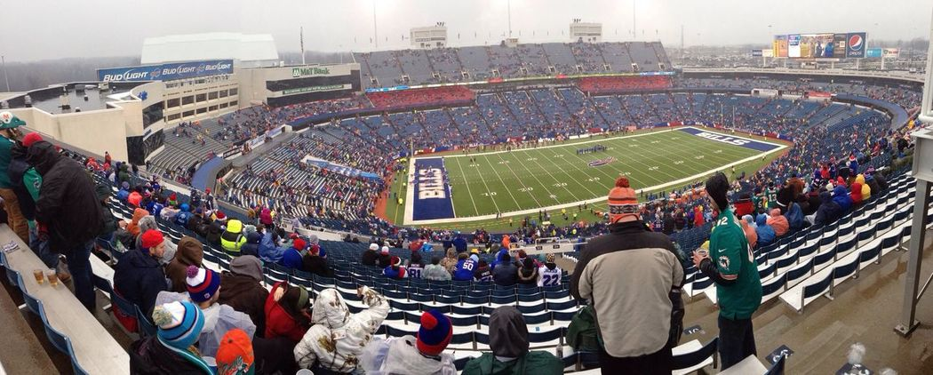 A great day for (American) football ... time to squish the fish (Miami Dolphins) go Buffalo Bills Perfekt Day