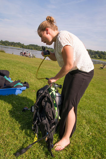 Scuba diving course couple open water Buddy Couple Diving Equipment Diving Vins Europe Lake Lake Shore Openwater Openwatercourse Openwaterscubadiver Outdoor SCUBA Scuba Divers... Scuba Diving Scuba Diving Course Scubadiving
