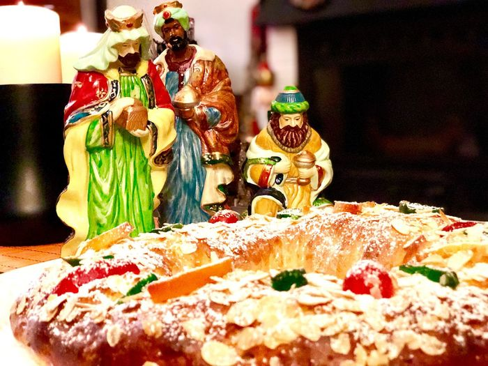 Roscón de Reyes Roscondereyes Roscon Of Kings Roscón De Reyes Roscon Indoors  Sweet Food Still Life Food And Drink No People Food Celebration Sweet Dessert Table Christmas Baked Temptation Decoration Cake