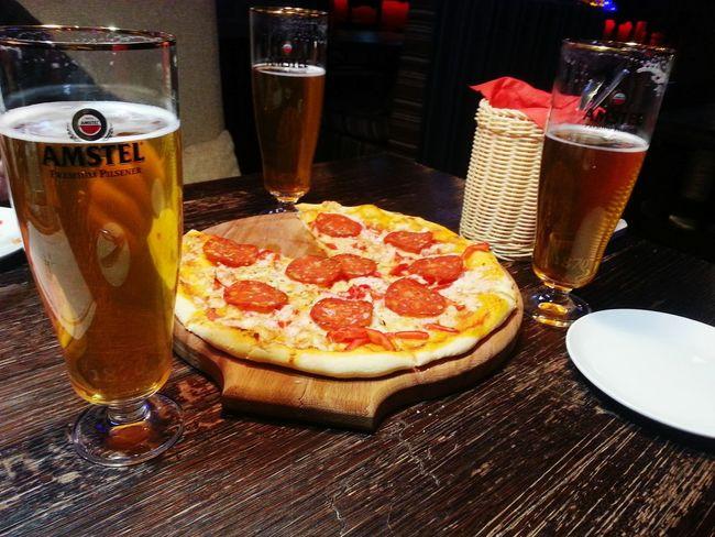 пицца🍕 пиво ресторан  вечер