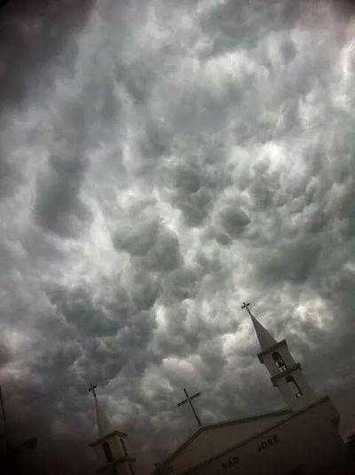 Cumulus mamatus Tempestade Chuva