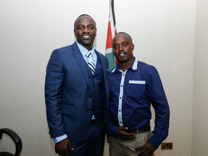 Akon Meets Jaymoh