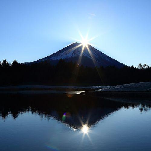日本一めでたい初日の出 。ダブルダイヤモンド富士🗻 Japan 日本 Bestoftheday EyeEm Best Shots EyeEm Nature Lover Snapshots Of Life Snapshot 風景 自然 富士山 Beauty In Nature 写真好きな人と繋がりたい Reflection Lake Water Blue Nature Sky Outdoors Landscape Beauty In Nature Mountain Clear Sky
