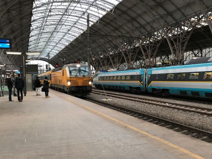 When Siemens Vectron aka Regiojet meets SC Pendolino Transportation Travel Train Station Regiojet Pendolino IPhone 7 IPhoneography Let's Go. Together.