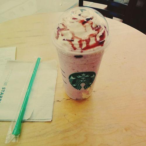 첫시도 Summer Berry Panna Cotta Startbucks(・ิω・ิ) 맛있쪙😋😜😛