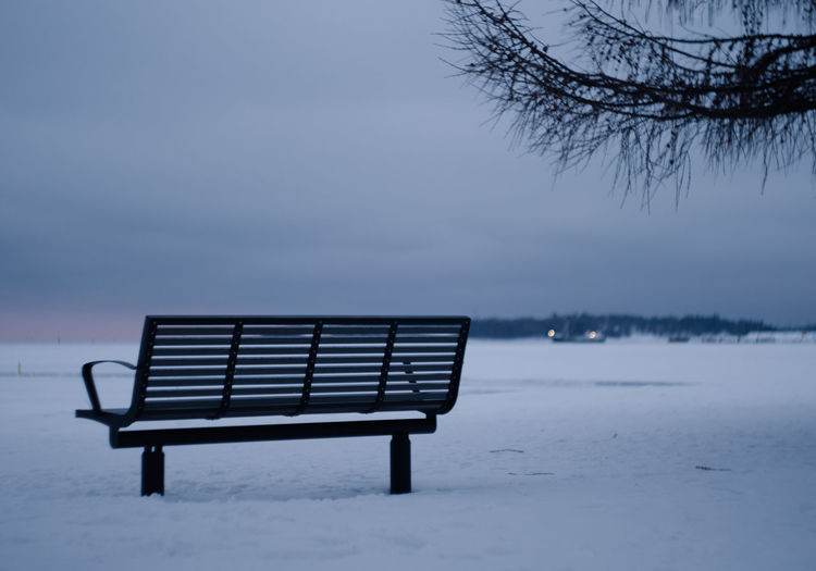 Lonely bench at the sea Sea Nature Sky Winter Blue Emptiness Snow Peaceful View Frozen Empty Outdoors Bench Quiet Moments Tranquility Park Bench Peaceful Quiet Calm Calmness Extreme Weather Absence Beauty In Nature No People Cold Temperature Gh5