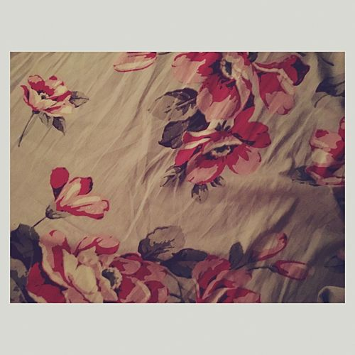 Pattern Pieces The best place on earth - bed and bedsheets! 💯 Bedsheets Flowerpattern Flowers Patterns Bedtimw Bestplace Bed