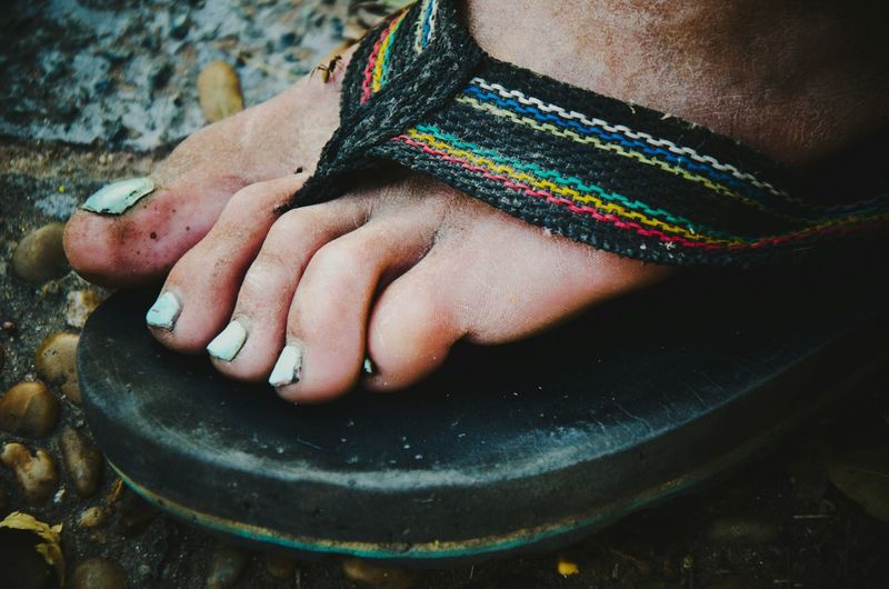 Street Streetphotography People Real People Nail Art Foot Argentina Pedicure Footwear Close-up South America Painting Fingernails Chaco High Angle View One Person Focus On Foreground Human Body Part EyeEmNewHere EyeEm Selects The Great Outdoors - 2018 EyeEm Awards The Traveler - 2018 EyeEm Awards The Street Photographer - 2018 EyeEm Awards The Photojournalist - 2018 EyeEm Awards The Fashion Photographer - 2018 EyeEm Awards Human Foot My Best Photo