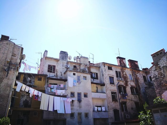 Low Angle View Architecture City No People Day Sky Outdoors Old School Sunlight Hanging Clothes Urban Urbanphotography EyeEm Selects Croatia Hanging Pula
