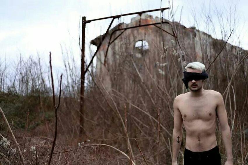 """Blind"" Surrealism Taking Photos Walking Around The City  Artphoto"