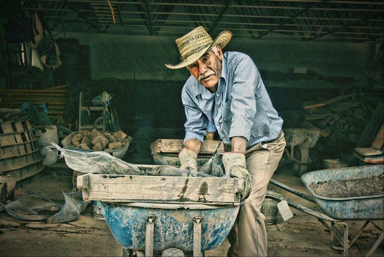 Utilizando el Efecto HDR en Retratos de Gete Trabajando Work Working Hard Peoplephotography People Retratomexico