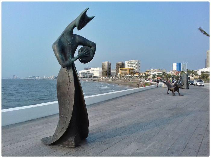Exposition Esculture Artistic Expression Leonoracarrington Surealism Streetphotography Great Day  Boca Del Rio Veracruz Mexico