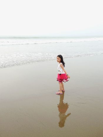 EyeEm Selects Water Childhood Sea Beach Child Land One Person Horizon Sand Outdoors Day Full Length Beauty In Nature Nature Sky Offspring