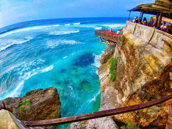 Beautiful Day Uluwatu Uluwatu Beach Uluwatu Bali Bali, Indonesia Sea Water Outdoors Nature Blue Sunlight Day Beauty In Nature Horizon Over Water Clear Sky Sky Beach