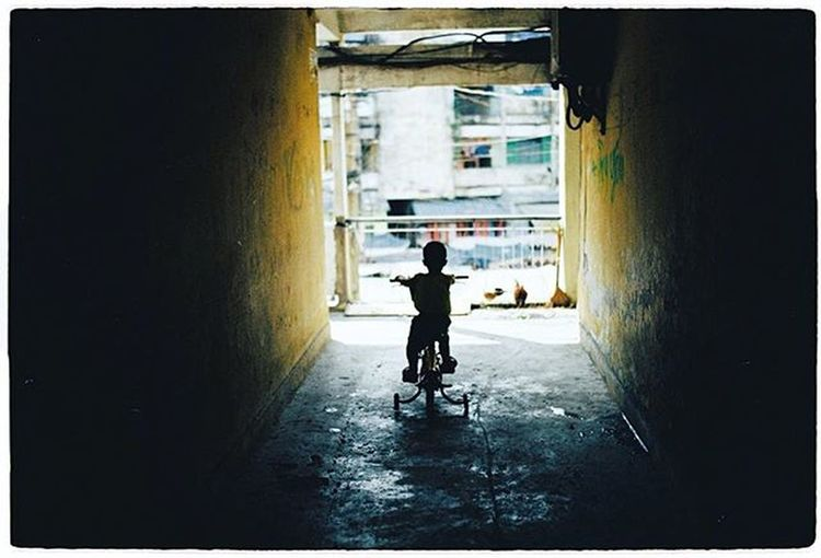 Có con rồi mới biết nổi khổ của cha mẹ Analogphoto Analoguephotography Analogcamera Analogue Analoguecamera Film Filmphotography Filmcamera Filmisnotdead Ishootfilm Istillshootfilm 35mm Canon Elan7 Kodak400 Kodak_photo Saigon Vietnam