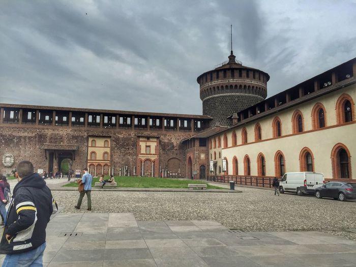 The Great Outdoors - 2016 EyeEm Awards Sforza Sforzescocastle Sforzacastle Milano Milanocity Milan Milan,Italy Milan Italy MilanLove by: Mursel Maznikar