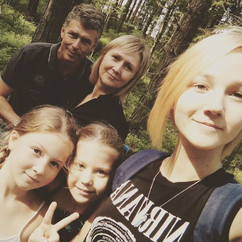 Family time 💞👪👧😻 Instagram Family Portrait Family Forest Selfie Mom Dad Sisters Friends Closest Relatives Summercamp Camp Nature Views Lake Russia