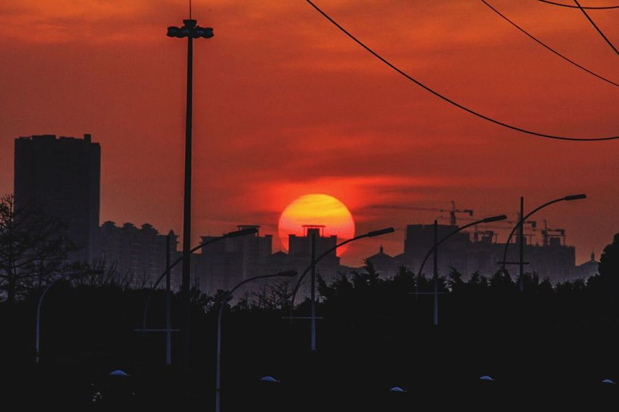 Red Sun Check This Out Taking Photos Sun Sunset Sunset_collection EyeEm Team EyeEm Gallery Architecture Clouds And Sky View Sky And Clouds Sundown Sunset Silhouettes Silhouette at Guangzhou China Red Sun Red Clouds