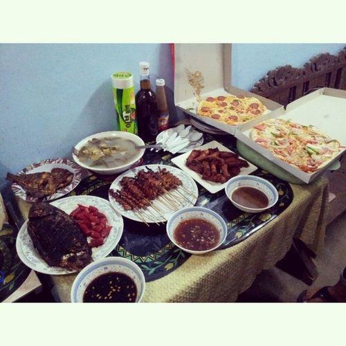 Biglaang Christmas Party sa bahay! MedinasChristmasParty2013