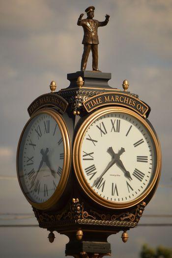 Memorial clock, downtown Porterville, CA Clock Downtown Porterville Nikkor55_300 Nikon D3200