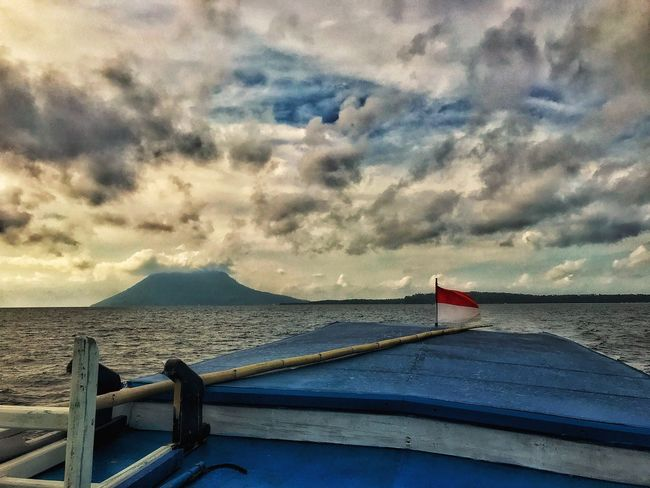 Sky Water Cloud - Sky Nautical Vessel Sea Transportation Boat No People Mode Of Transport Beauty In Nature Outdoors Horizon Over Water