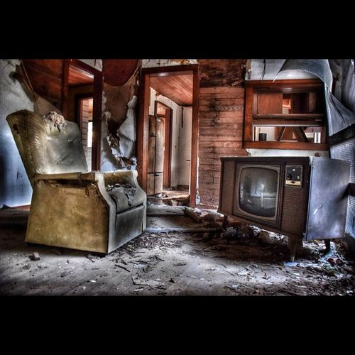 Hdr_europe Roadwarrior_hdr E_n_d_members Decay_nation Dn_lonelychair Decay_of_today Mr_inside_the_ruins All_is_abandoned