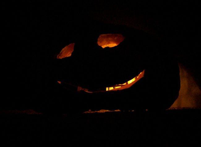 Outdoors No People Burning Halloween Halloween Pumpkins Pumpkin Kürbis Nacht Herbststimmung Herbst Autumn Autumn Is Coming Lächeln Candle Kerze Tradition Illuminated Light And Shadow Licht Und Schatten