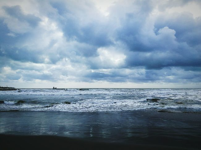 Sea Nature Water Storm Cloud Scenics Dramatic Sky Moody Sky Cloud - Sky Horizon Over Water Outdoors Storm Thunderstorm Rain Cloudscape Beauty In Nature No People Beach Sky Tranquility Day The Great Outdoors - 2017 EyeEm Awards