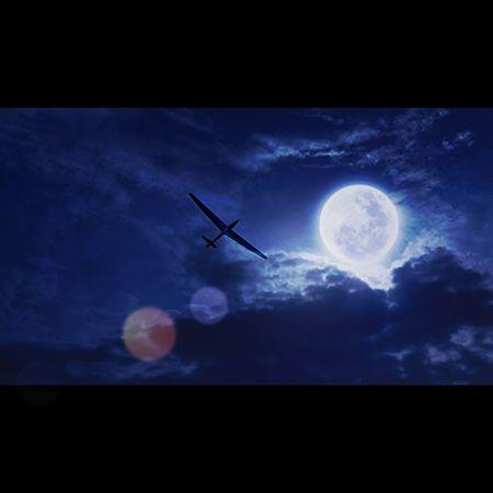 Flying High Moonlight Fulmoon ArtWork Segelfliegen