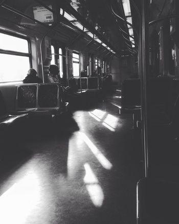Quando o silêncio faz um barulho imenso aqui dentro. Transportation Shadow Day Light And Shadow Light SP Brasil Metro MetroSP Photo Art Photo Photography Arte Taianeferreiras